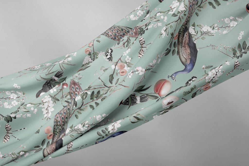 Hodvabna latka s pavmi z kolekcie Elysian